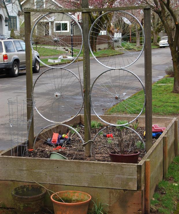 old bike wheel trellis