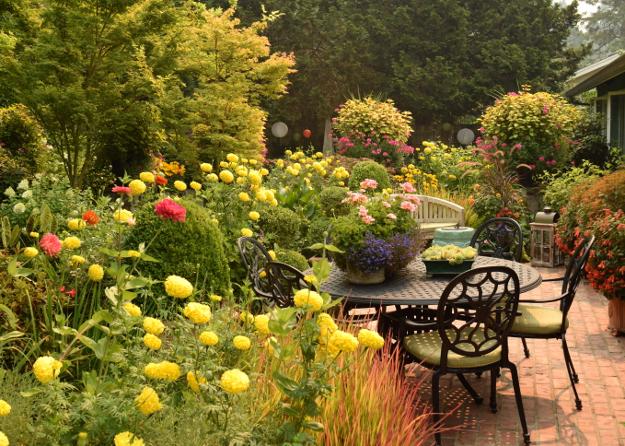 formal garden chair patio 082215 275