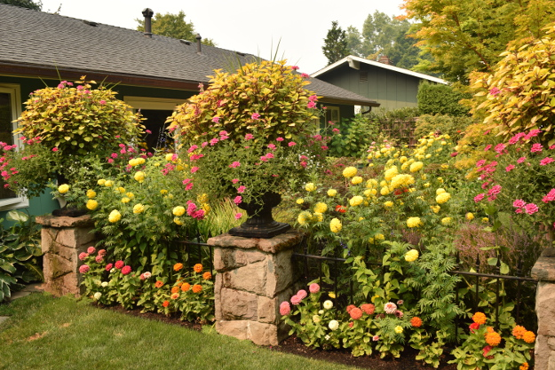 formal garden planters 082215 316
