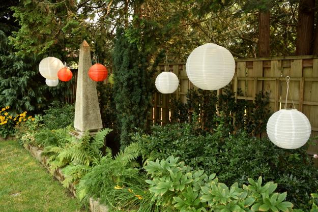 formal garden spheres 082215 330