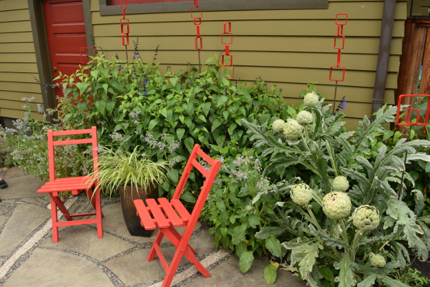 ANLD garden tour ohlson red accents 060816 197
